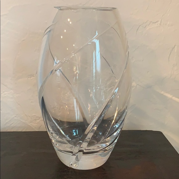 Auth Tiffany & Co. Swirl Elliptical Crystal Vase